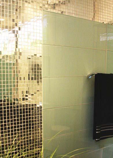 Pastilhas de Vidro  a saga do apartamento -> Banheiro Com Pastilha Em Volta Do Espelho