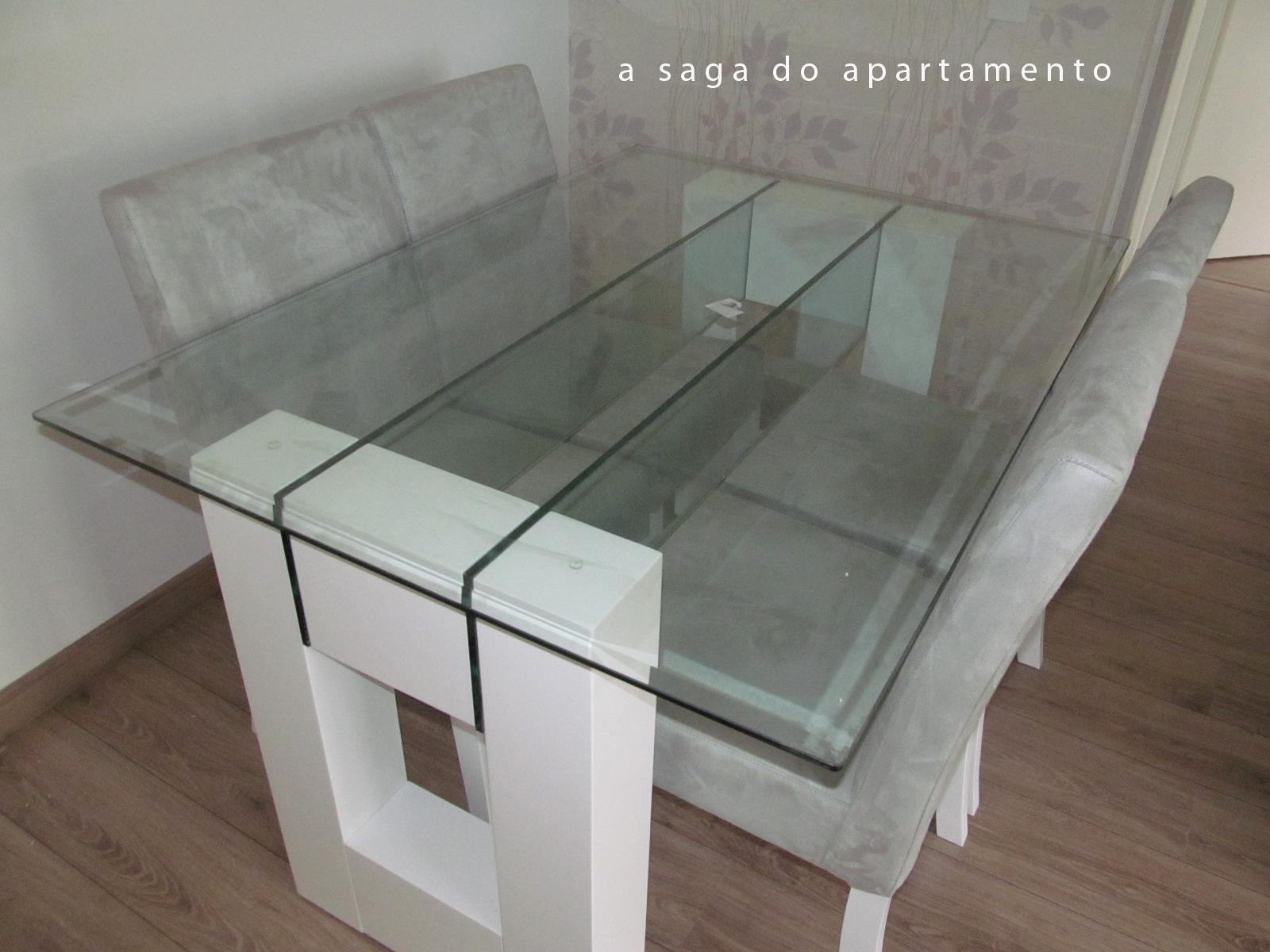 Sala de jantar tomando forma mesa e papel de parede for Mesas para apartamentos pequenos