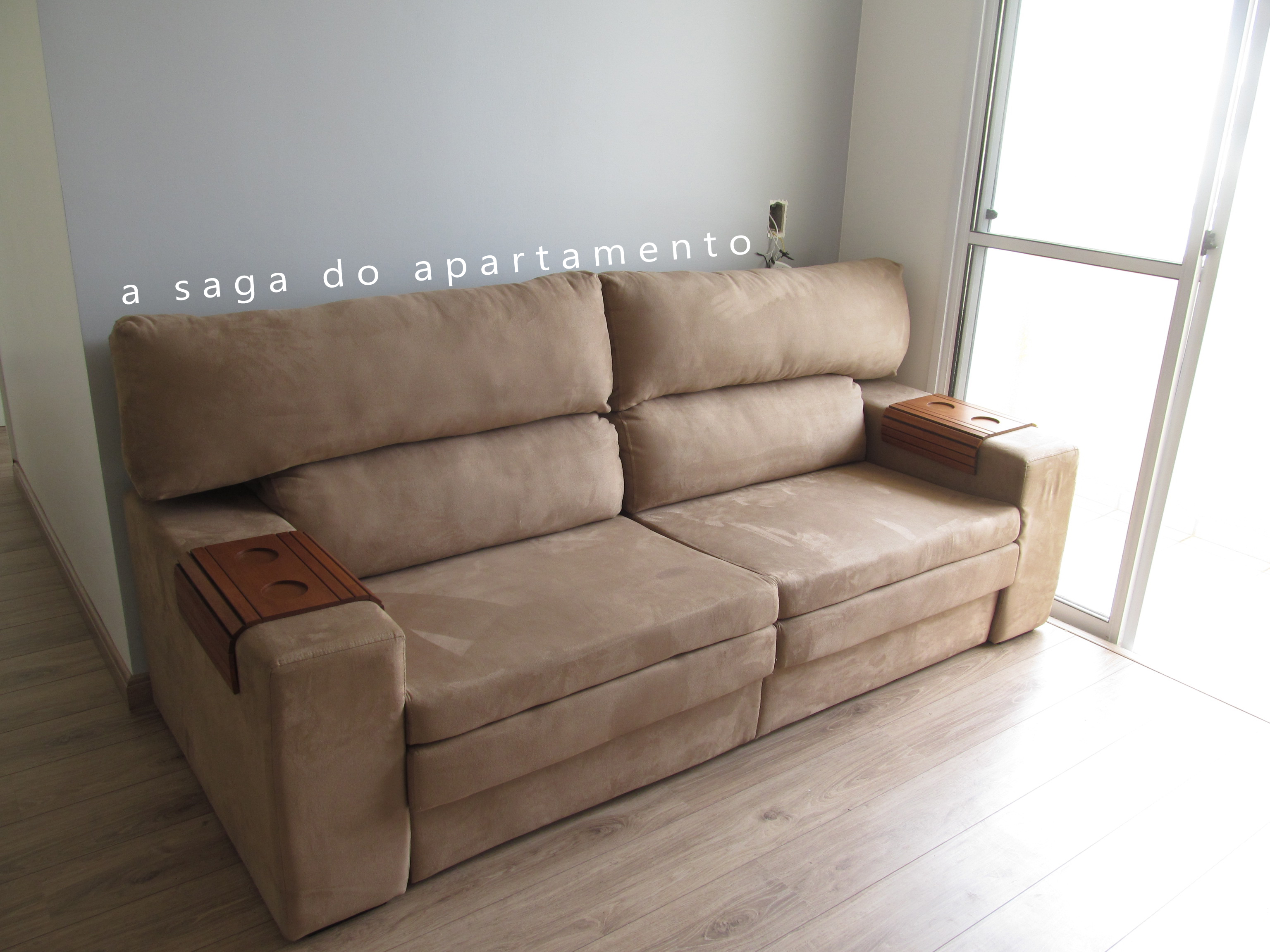 Sof retr til com chaise a saga do apartamento for Sofas pequenos medidas