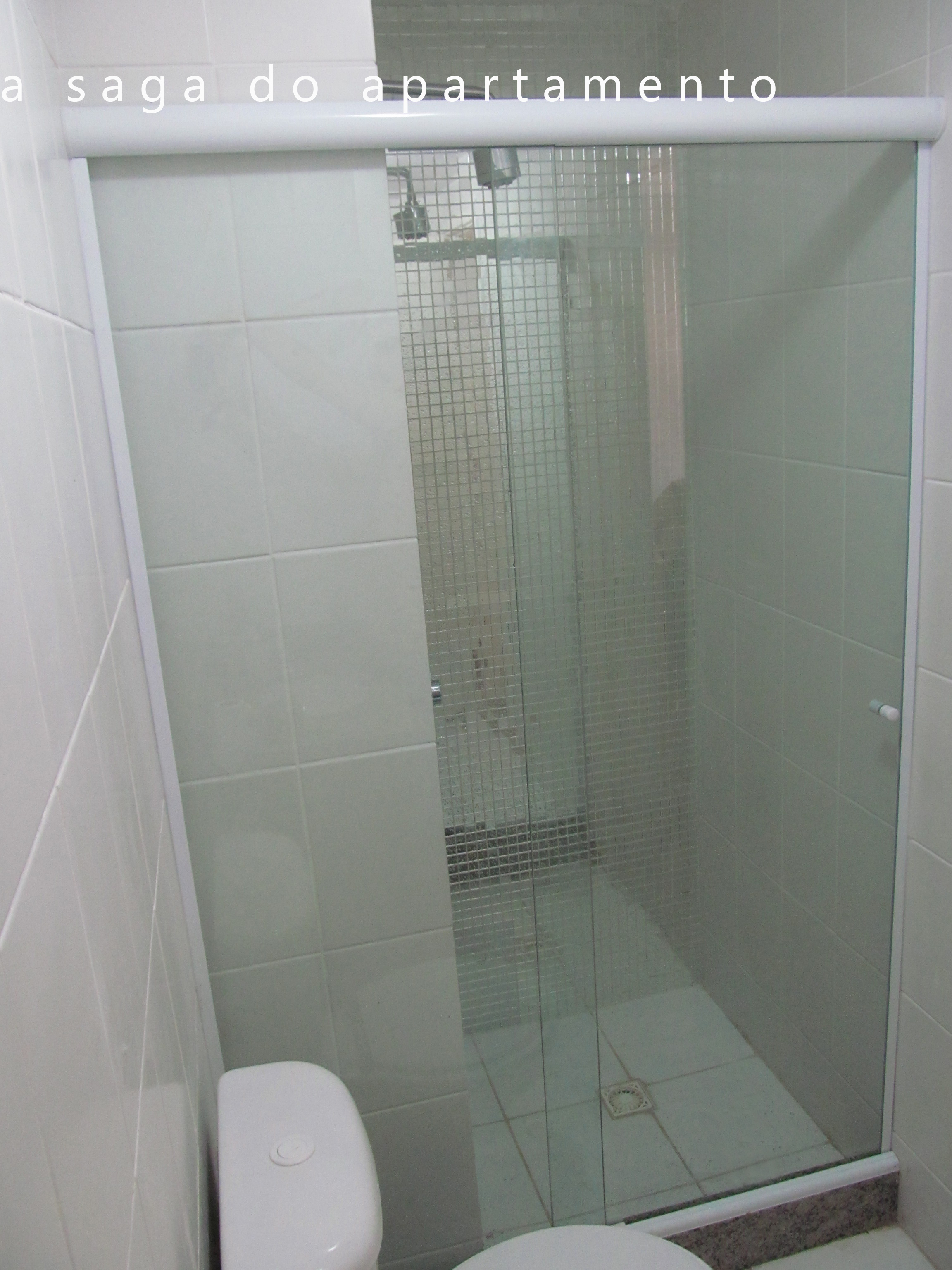 Box Blindex com Porta de Correr a saga do apartamento #44423D 2304x3072 Banheiro De Blindex
