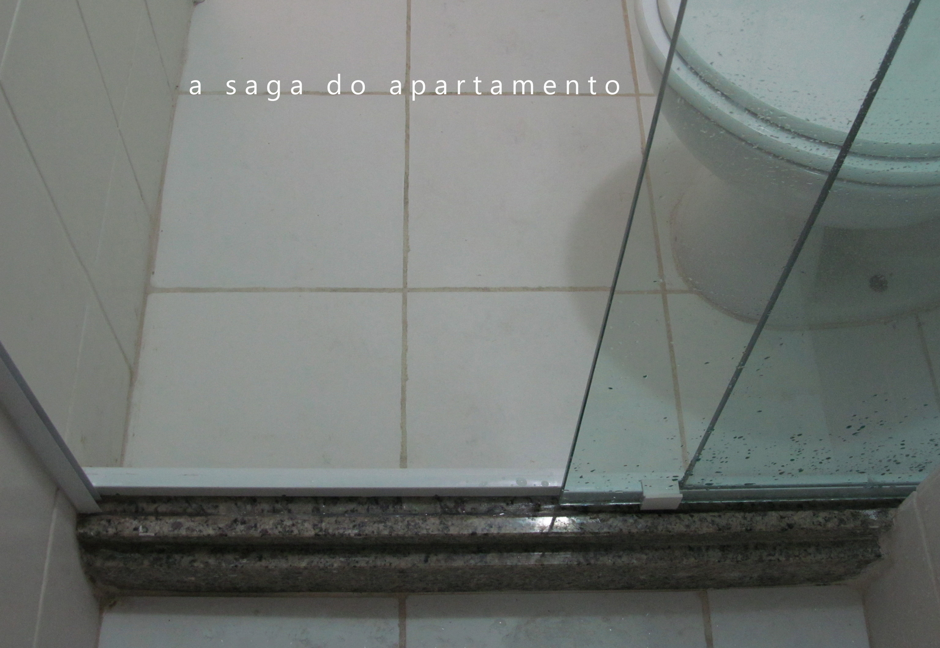 foto como ficou o box aproveitando toda a extensão do banheiro #5D6A6E 3072x2118 Banheiro De Blindex
