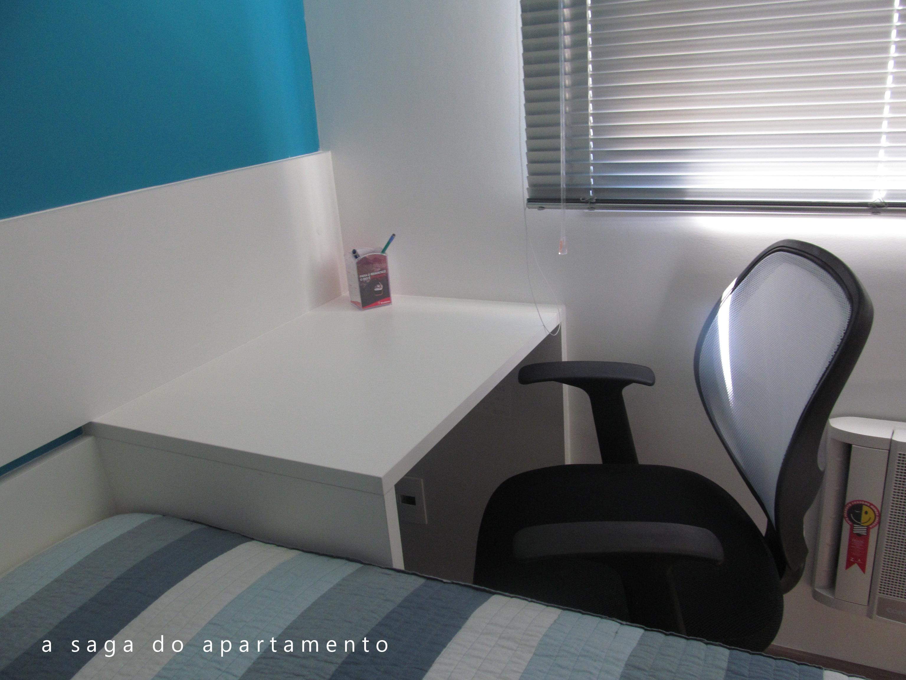 Escrivaninha Pequena A Saga Do Apartamento ~ Quarto De Solteiro Com Escrivaninha