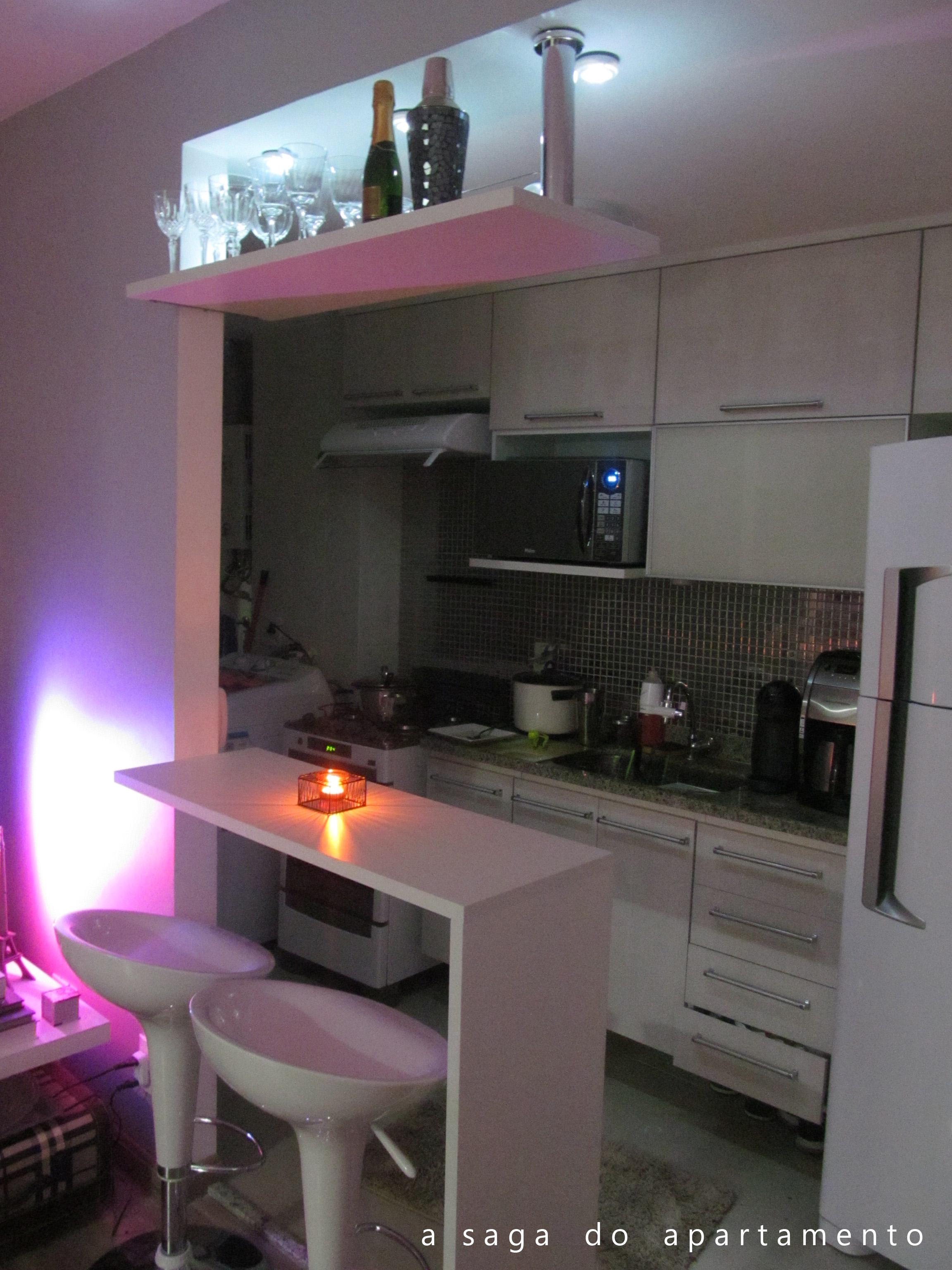 #921AB1 Com uma iluminaçãozinha tudo fica mais bonito não é?! :) 2304x3072 px Balcao Mesa Para Cozinha Americana #1143 imagens