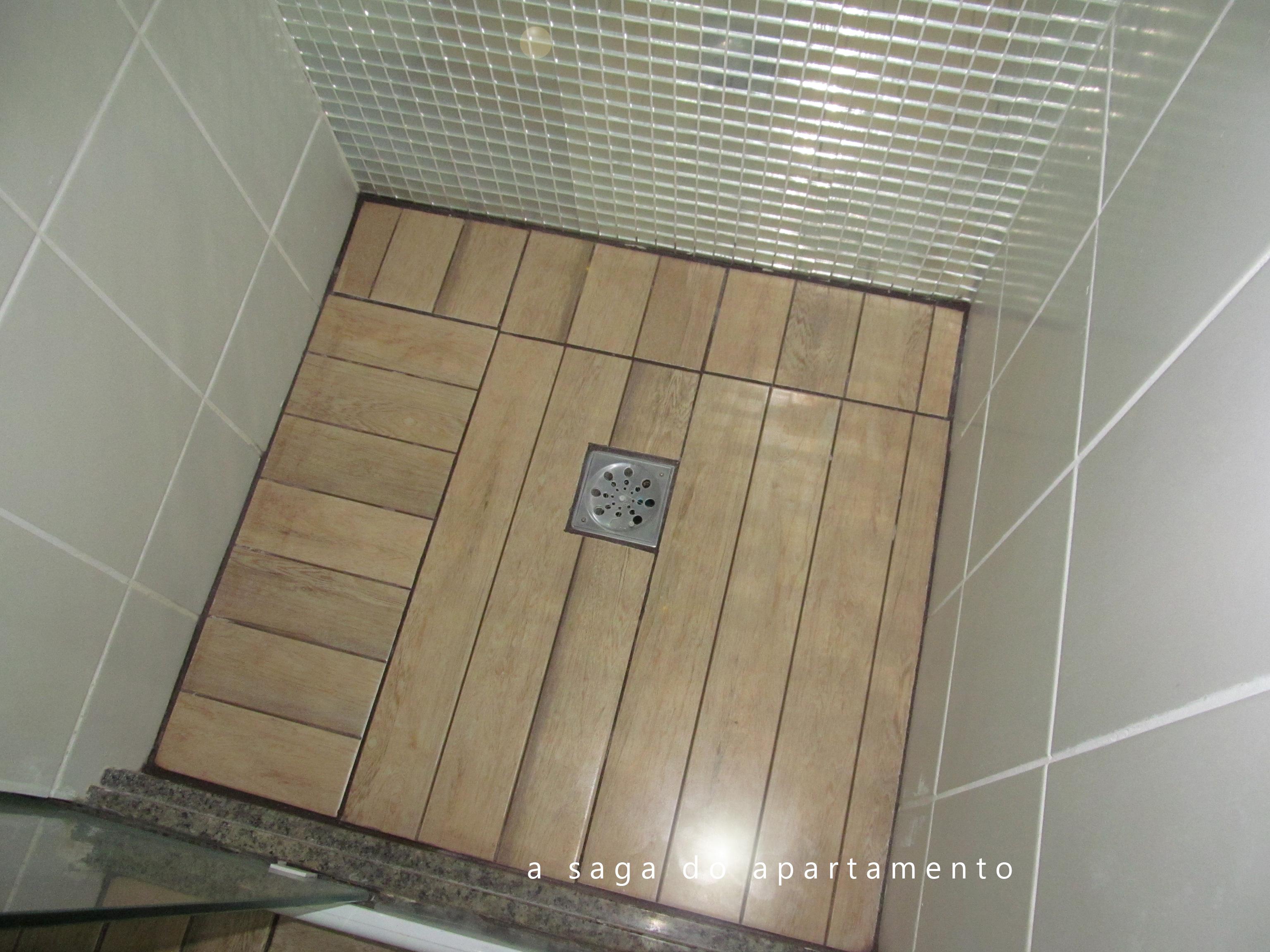 Porcelanato ou Deck de Madeira? Revestindo Banheiro e Varanda  #786A53 3072 2304