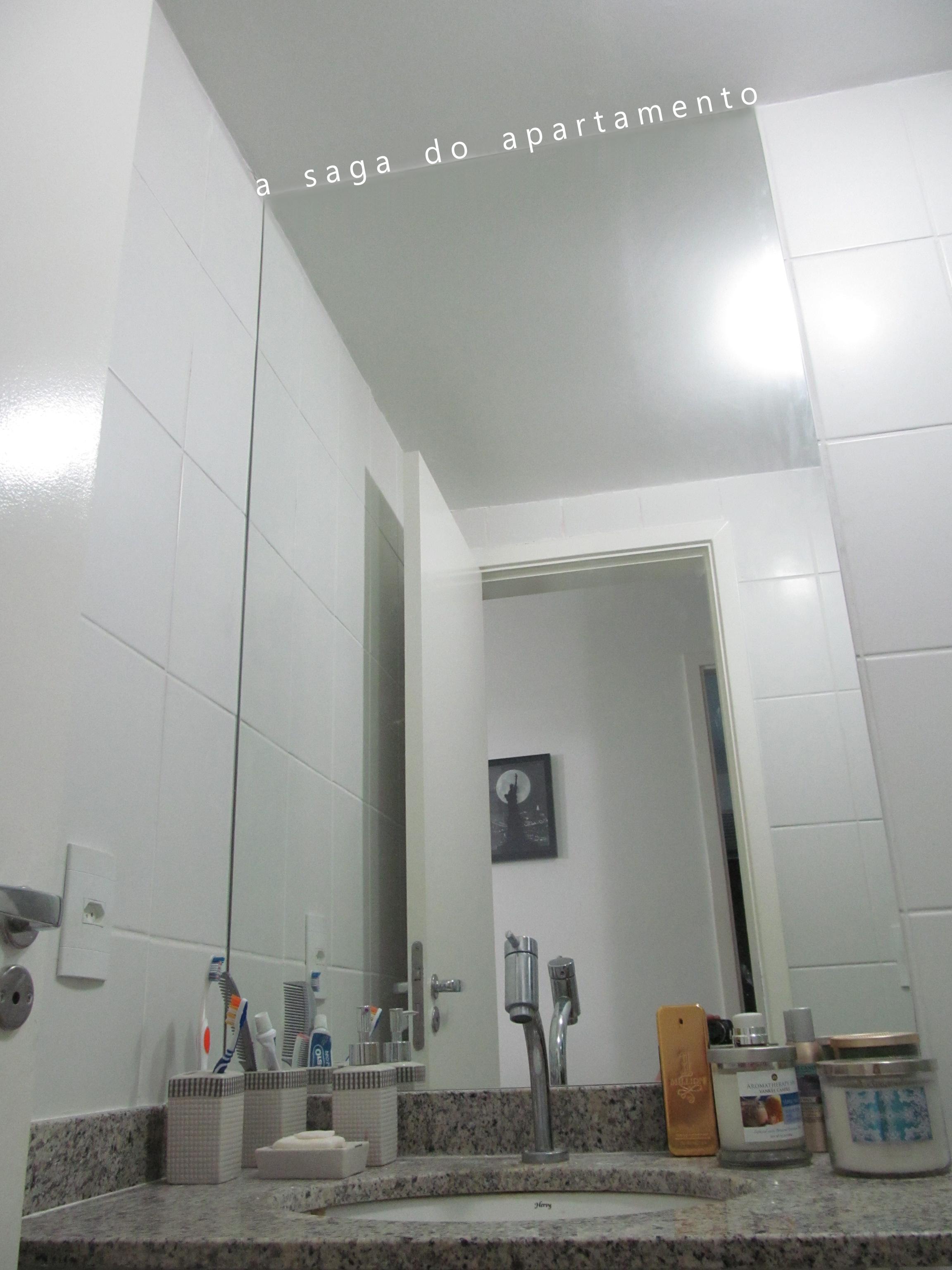 Banheiro: Quadros Espelho e Metais a saga do apartamento #5F4D3E 2304 3072