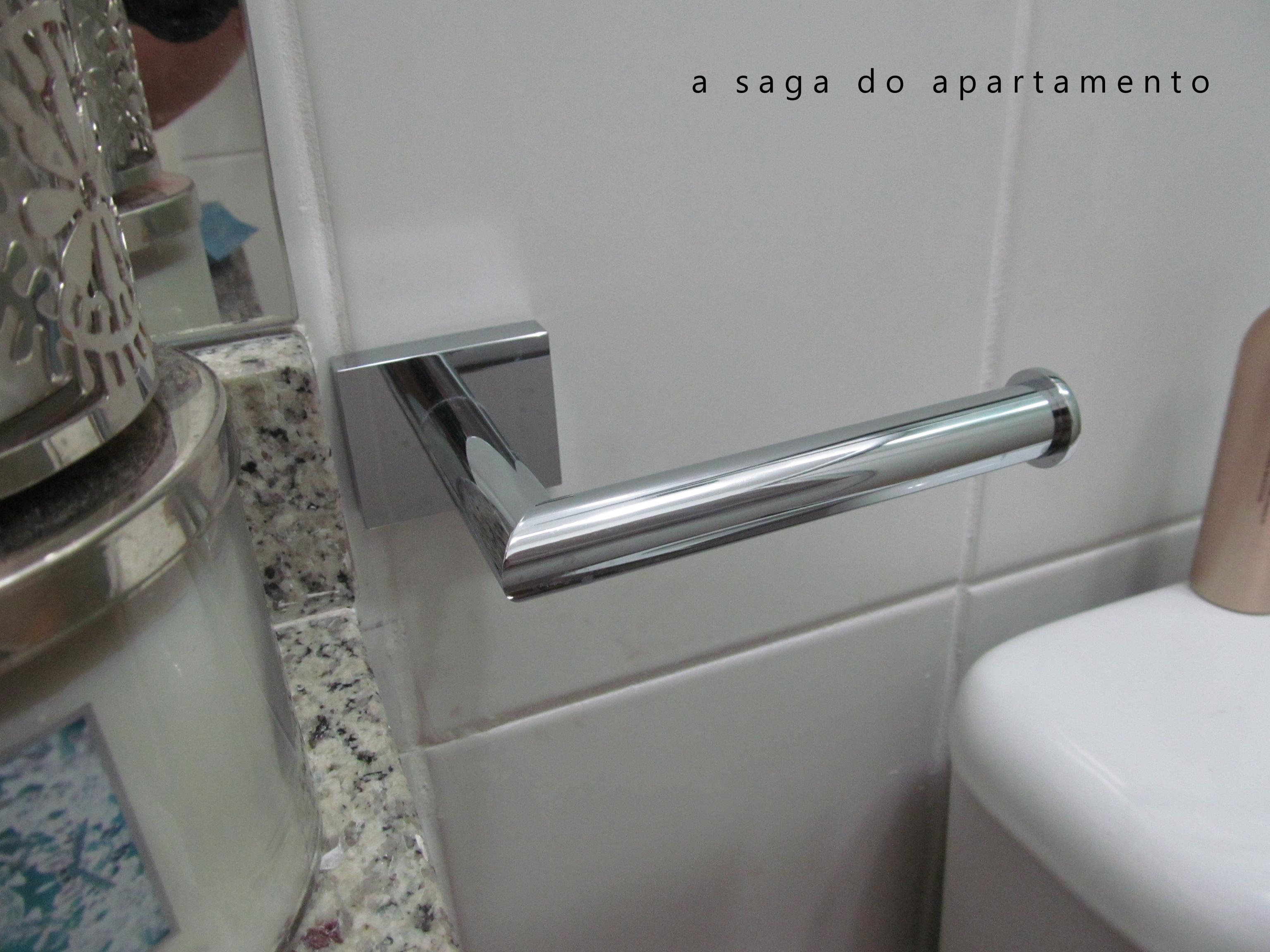 Decorando o Banheiro: Quadros Espelho e Metais a saga do  #4B5B61 3072 2304