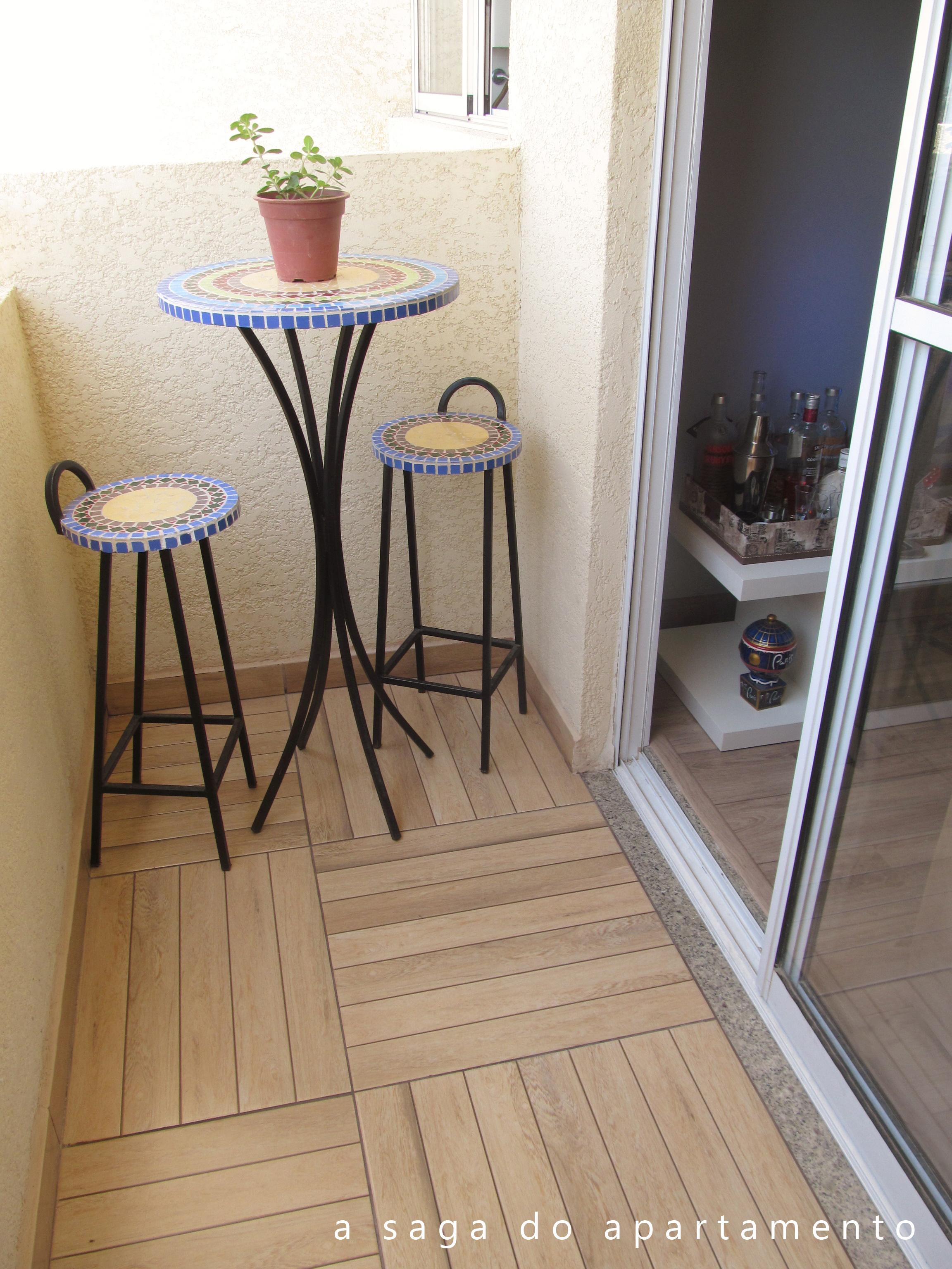 #856746 Porcelanato ou Deck de Madeira? Revestindo Banheiro e Varanda a saga  1870 Janela De Aluminio Que Imita Madeira