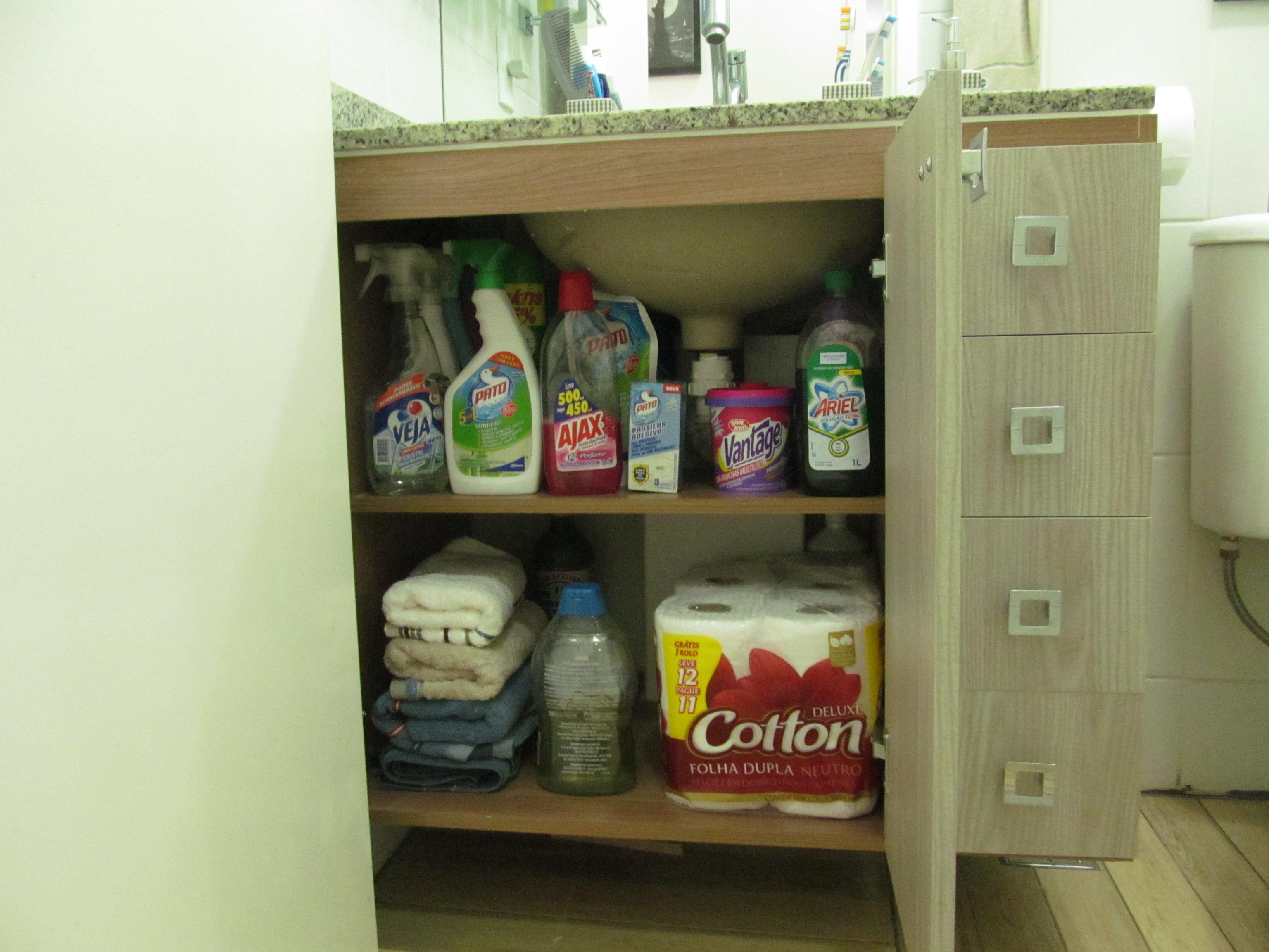 O pequeno e notável Armário Planejado do Banheiro  a saga do apartamento -> Como Improvisar Um Armario De Banheiro