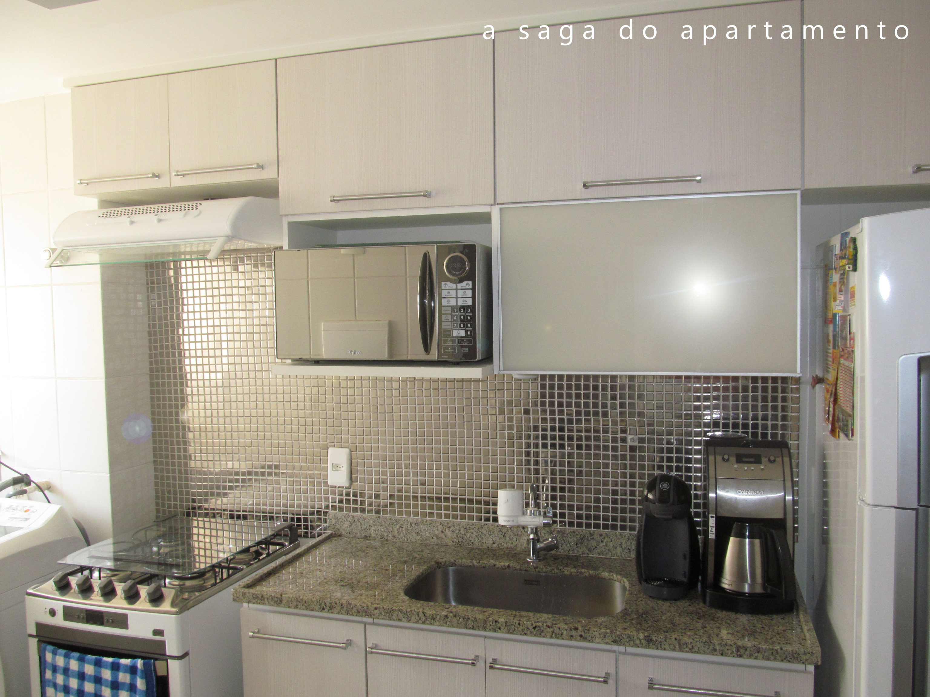 saga do apartamento …just a simple home for two  #364866 3072x2304 Banheiro Azulejo Metade