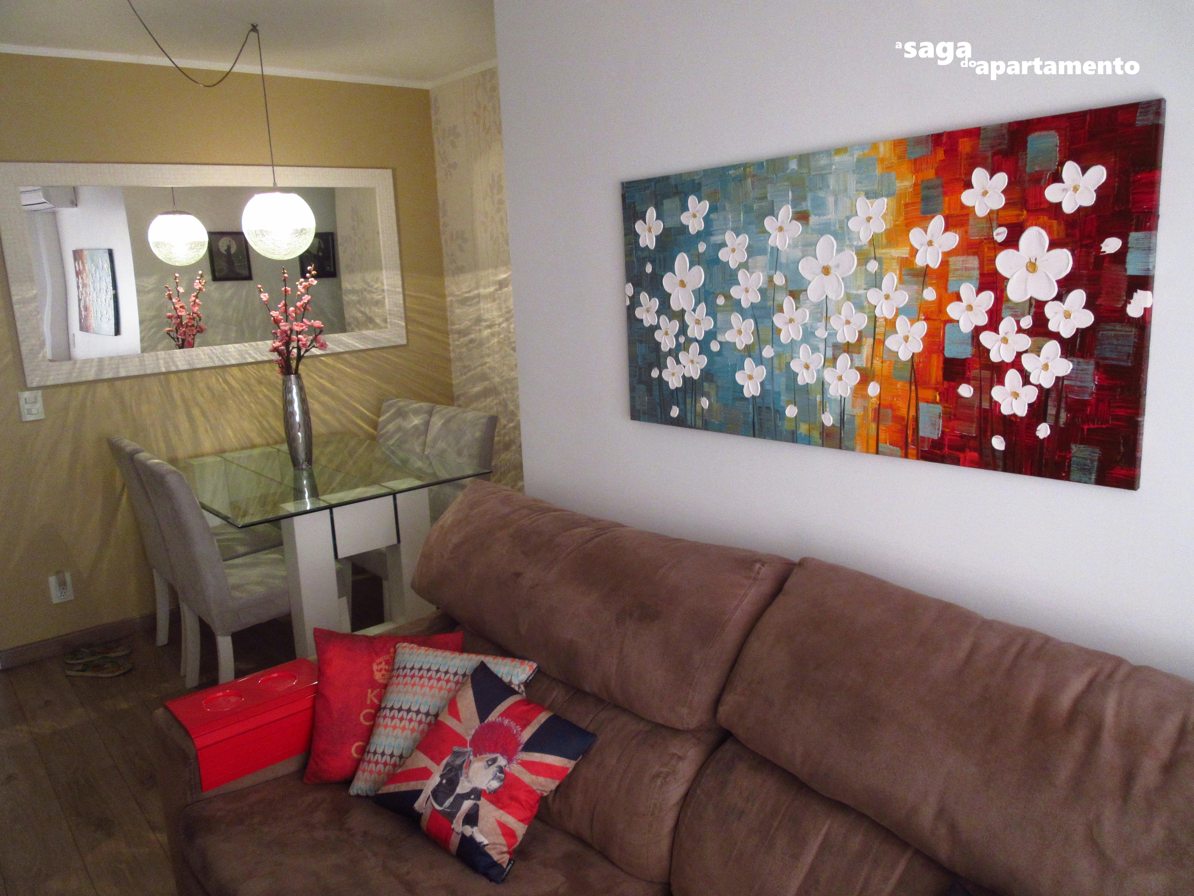 Portas Corredor Coloridas A Saga Do Apartamento -> Sala Branca Com Parede Colorida