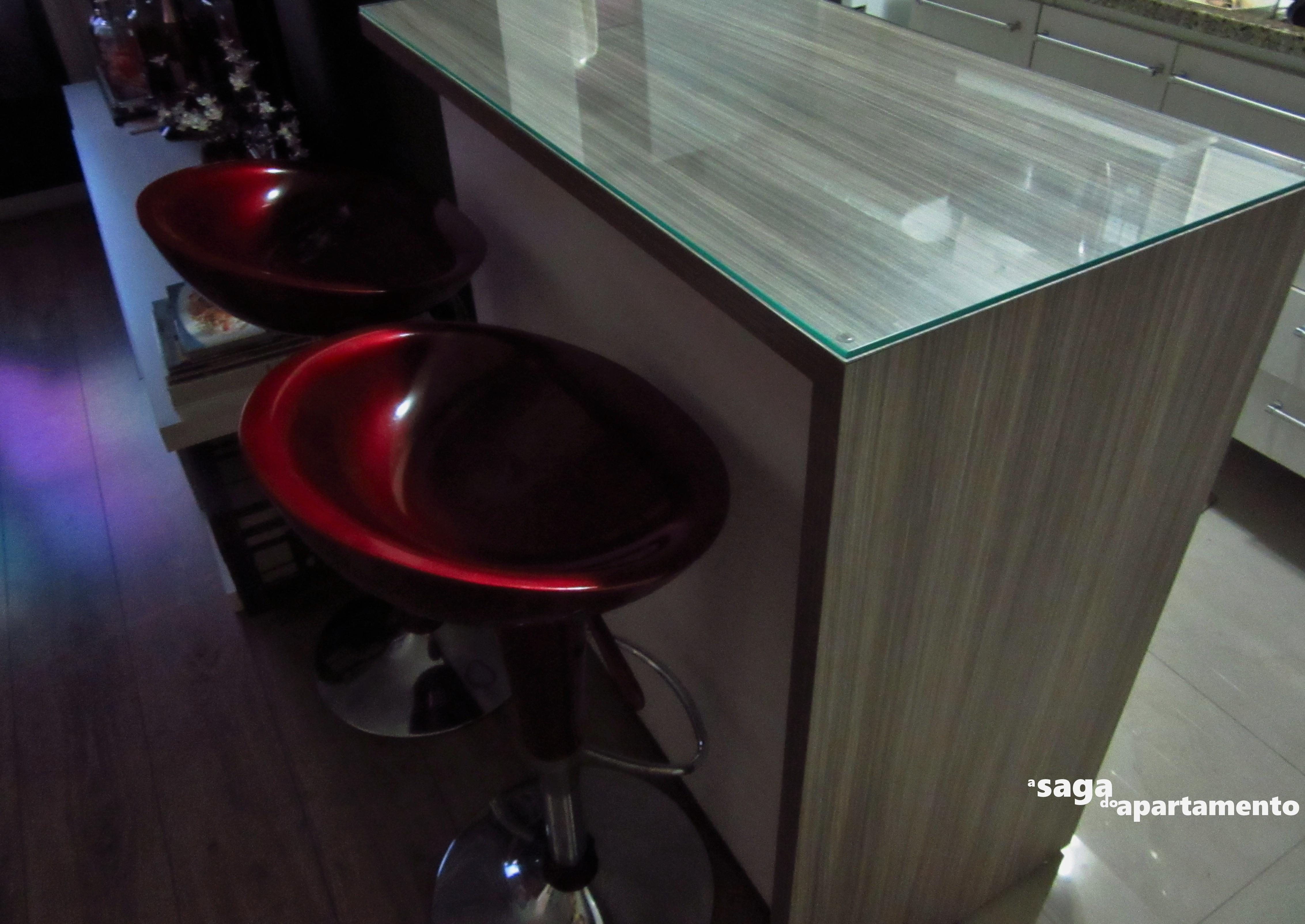 Na verdade se repararem bem o vidro é um pouquinho de nada menor  #691D25 4530 3208